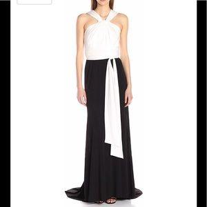 Vera Wang long jersey black and white dress NWT